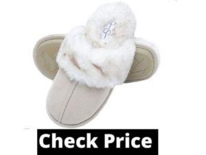 Non slip slippers for elderly