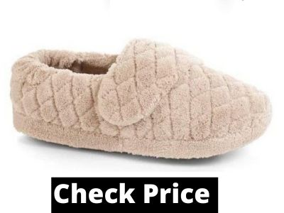 Non slip slippers for elderly